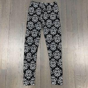 Black Dark Grey White Paisley Print Leggings Pants